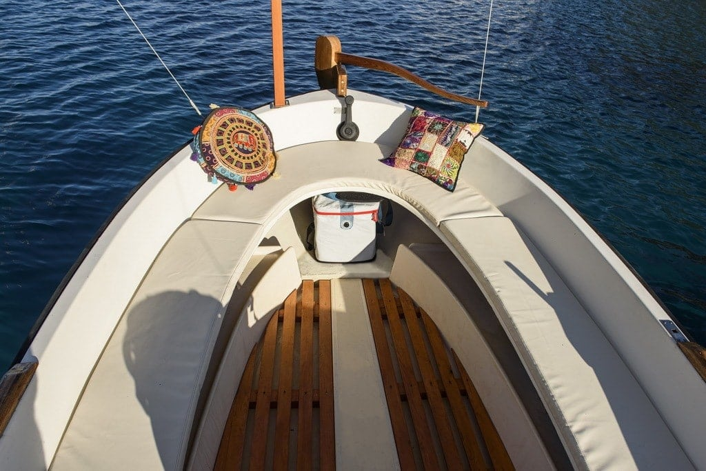 Rent a traditional boat in Ibiza